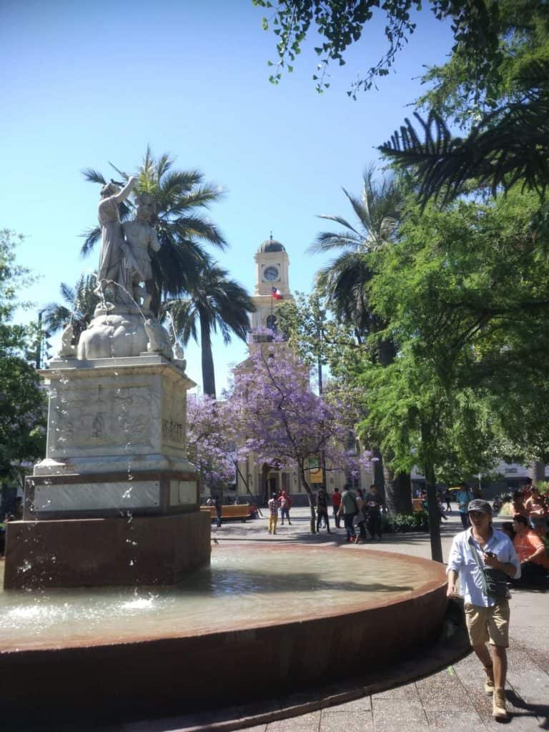 Kašna na Plaza de Armas v Santiago de Chile